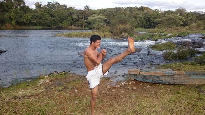 MMA - Levy Amorim - Karatê Kid - Divulgação - foto na cidade de Pitangui-MG